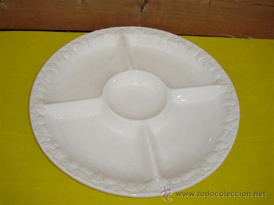 BANDEJA PARA FRUTOS SECOS EN PORCELANA (Antigüedades - Porcelanas y Cerámicas - Otras)