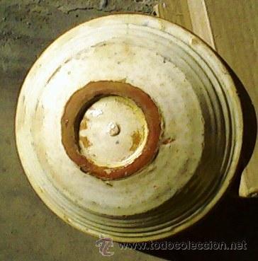 Antigüedades: ANTIGUO PLATO DE BARRO - MEDIDAS DIAMETRO 21,5 CM. ALTO 7 CM. - Foto 3 - 26684935