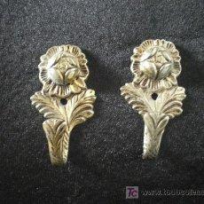 Antigüedades: ANTIGUOS PERCHEROS DORADOS DE CALAMINA. Lote 11204172