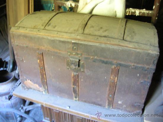 Antigüedades: Baúl de madera enteramente forrado de hojalata - Foto 2 - 26379494