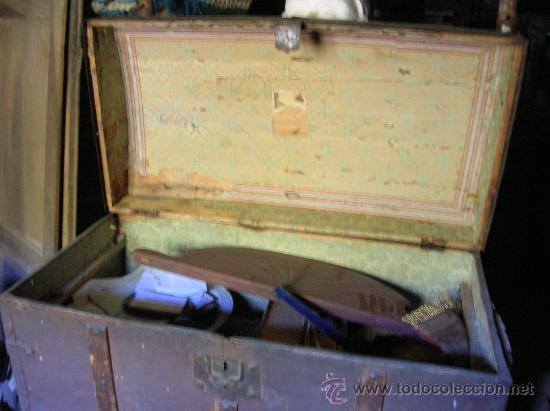 Antigüedades: Baúl de madera enteramente forrado de hojalata - Foto 3 - 26379494