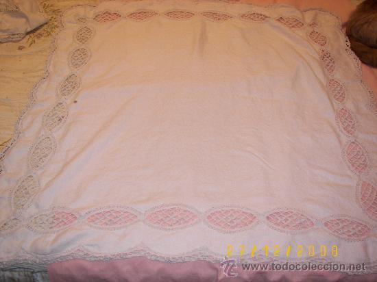 Antigüedades: mantel con aplicacion de bolillo - Foto 2 - 23879641