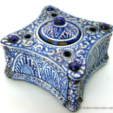 Antigüedades: MANISES - TINTERO AZUL DE CERÁMICA - S. XIX. Lote 26916436