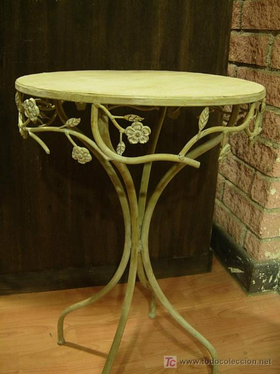Bonita mesa velador de hierro gris con adornos comprar - Mesas de hierro para jardin ...
