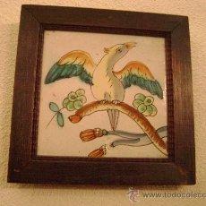 Antigüedades: AZULEJO VALENCIANO DEL SIGLO XVIII ENMARCADO .PAJARO. Lote 24691944