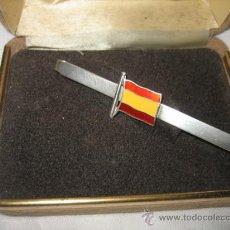 Antigüedades: SUJETACORBATAS DE PLATA CON LA BANDERA ESPAÑOLA ESMALTADA. Lote 13205949