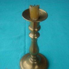 Antigüedades: CANDELABRO ANTIGÜO. 21 CMS DE LONGUITUD.. Lote 26598109