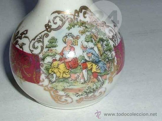 Antigüedades: Florero-violetero-jarrón- Con Escena Galante Para La Vitrina - Foto 3 - 27471628