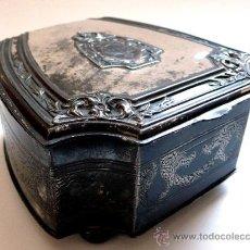 Antigüedades: CAJA JOYERO EN PELTRE PLATEADO - WALLACE BROSS - SILVER CO - FAMOSO JOYERO AMERICANO - S. XIX. Lote 26400167