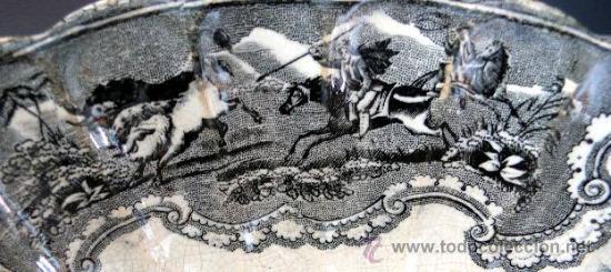 Antigüedades: CARTAGENA - ENSALADERA GALLONADA - CAPTURA DE POTROS SALVAJES - S. XIX - Foto 5 - 27225811