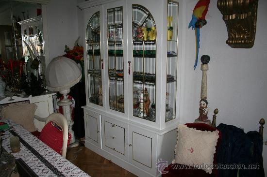 Antiguo juego lacado de comedor de vitrina y ap comprar for Muebles de comedor antiguos
