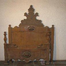 Antigüedades: CAMA DE NOGAL ALFONSINA PROFUSAMENTE TALLADA. Lote 26483940