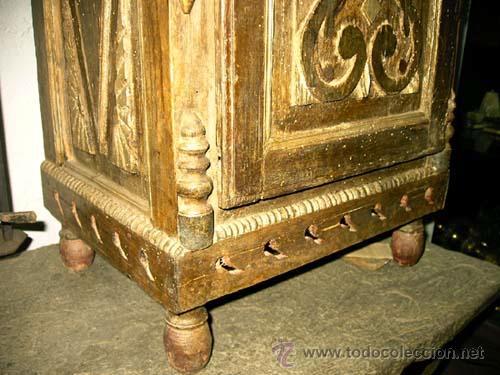 Antigüedades: Mesita antigua rustica con talla en frente y laterales - Foto 4 - 26638675