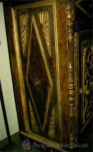 Antigüedades: Mesita antigua rustica con talla en frente y laterales - Foto 5 - 26638675