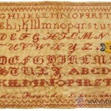 Antigüedades: DECHADO - ABECEDARIO BORDADO - EMILIA MENENDEZ LO HIZO AÑO 1852 - S. XIX. Lote 26421531