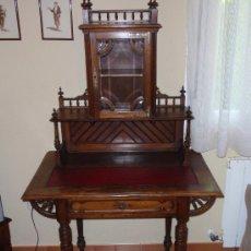 vitrina escritorio siglo XIX (finales)