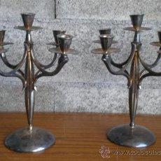 Antigüedades: PAREJA DE CANDELABROS .. DE METAL PLATEADO. Lote 13333055
