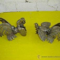 Antigüedades: 2 GALLOS DE BRONCE. Lote 13345796