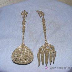 Antigüedades: PAREJA DE CUBIERTOS PLATEADOS. Lote 26622841