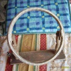 Antigüedades: BASTIDOR ESCOLAR PARA LA ENSEÑANZA DEL BORDADO. Lote 23627540