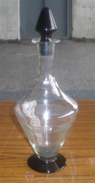 LICORERA DE CRISTAL .. CON FINOS LABRADOS (Antigüedades - Cristal y Vidrio - Otros)