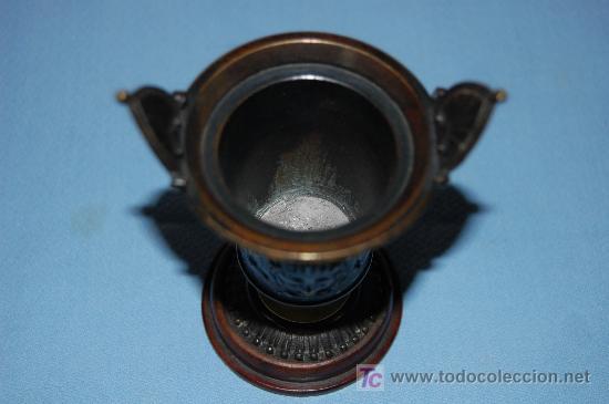 Antigüedades: COPA DE BRONCE ESTILO IMPERIO CON RELIEVE Y BASE EN MADERA FINALES S XIX - Foto 2 - 27197407