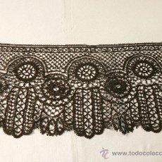 Antigüedades: ENCAJE DE BOLILLO NEGRO.. Lote 174010810