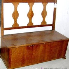 Antigüedades: BANCO-ARCA CHAPADO EN ROBLE. DE 1940. VER DETALLES.. Lote 27571361