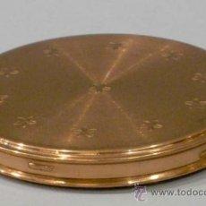 Antigüedades: POLVERA METAL DORADO GRABADO ESTRELLAS CON CONTENIDO SIN USAR. Lote 13890323