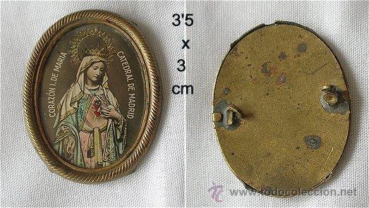 BROCHE ANTIGUO LATON E IMAGEN DE LA VIRGEN CATEDRAL DE MADRID (Antigüedades - Religiosas - Orfebrería Antigua)