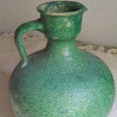 Antigüedades: GRAN JARRA ALCUZA O PERULA CERAMICA POPULAR EN BARRO ROJO ESMALTADO EN VERDE. Lote 37091092