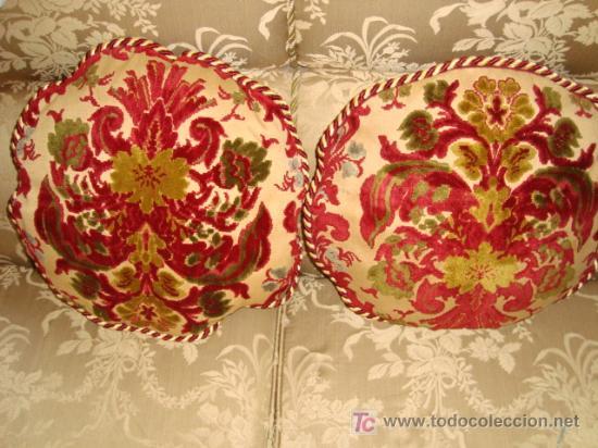 preciosa pareja de antiguos cojines redondos,   Comprar en