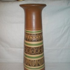 Antigüedades: CURIOSO JARRON EN CERAMICA POLICROMADA DEL S XX ALT 50. Lote 15199005