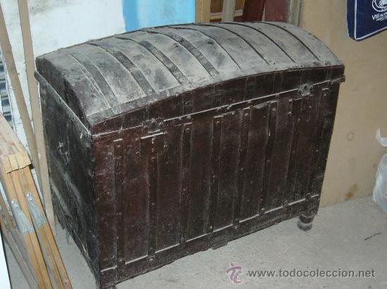 Baul del siglo xix comprar ba les antiguos en - Restaurar baules antiguos ...