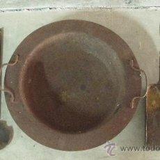 Antigüedades: BRASERO DE HIERRO CON BADILA Y PALA. Lote 26552299