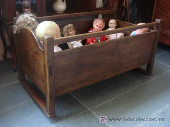 ANTIGUA CUNA DE MADERA -RESTAURADA - PROCEDENTE DE ZONA DE GALICIA (Antigüedades - Muebles Antiguos - Camas Antiguas)