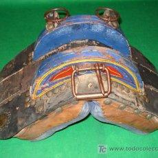 Antigüedades: SILLA PARA ENGANCHAR CARRO, O PARA DECORAR, DE 60 CM ANCHO, ESTA BIEN CONSERVADA. Lote 20991010