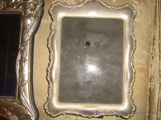 Antigüedades: dos antiguos marcos plateados, no se el material, 28 x 20 y 23 x 17, medidas interiores 17 x 12 cm - Foto 3 - 22312827