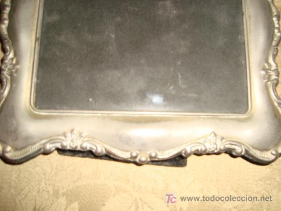 Antigüedades: dos antiguos marcos plateados, no se el material, 28 x 20 y 23 x 17, medidas interiores 17 x 12 cm - Foto 7 - 22312827