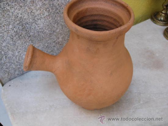 ANTIGUA CHOCOLATERA BARRO SIN USO - APROX 1950 21 CM ALTO + INFO (Antigüedades - Porcelanas y Cerámicas - Otras)