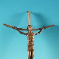 Antigüedades: CRUCIFICADO DE METAL. 1950. Lote 15105846