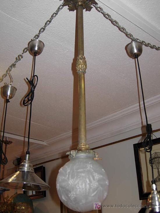LAMPARA DE BRONCE DE TECHO EN FORMA DE GLOBO DE CRISTAL (Antigüedades - Iluminación - Lámparas Antiguas)