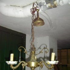 Antigüedades: LAMPARA DE BRONCE Y PORCELANA. Lote 15461650
