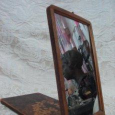 Antigüedades: ESPEJO ANTIGUO DE VIAJE EN MADERA. Lote 15471222