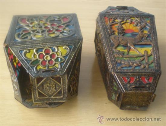 PAREJA DE FAROLES .. DE CARTÓN TROQUELADO (Antigüedades - Iluminación - Faroles Antiguos)