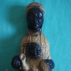 Antigüedades: VIRGEN CON NIÑO DE MONSERRAT, EN ESTUCO . 22 CMS DE ALTURA.. Lote 26756944