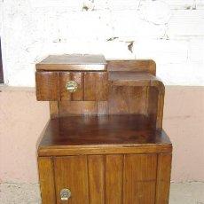 Antigüedades: MESITA AUXILIAR EN MADERA DE CASTAÑO. Lote 15659645