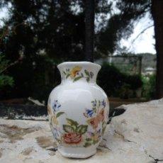 Antigüedades: JARRONCITO ESTILO CHINO DE PORCELANA INGLESA DE LA MARCA ANSLEY. SERIE COTTAGE GARDEN. Lote 26903928