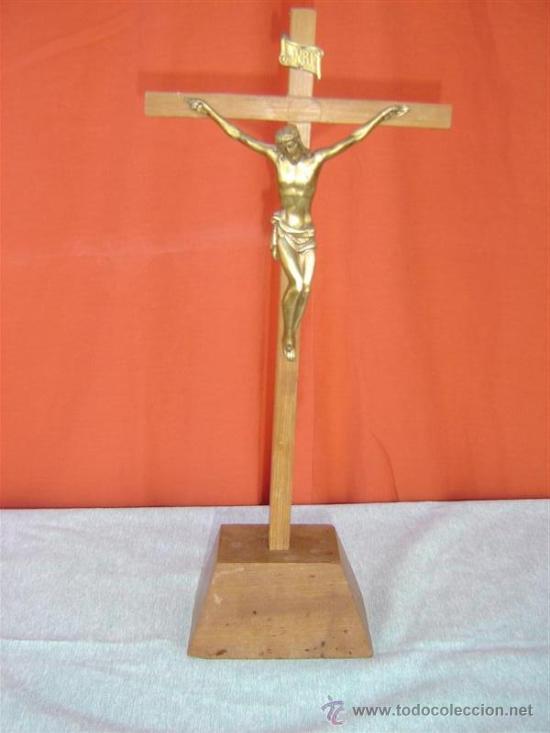 CRISTO EN BRONCE Y CRUZ DE MADERA (Antigüedades - Religiosas - Crucifijos Antiguos)