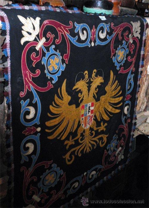 Antigüedades: Antiguo Escudo Heraldico de reposteria, bordado, etc. Medida 138x1,38 cm - Foto 5 - 24196351